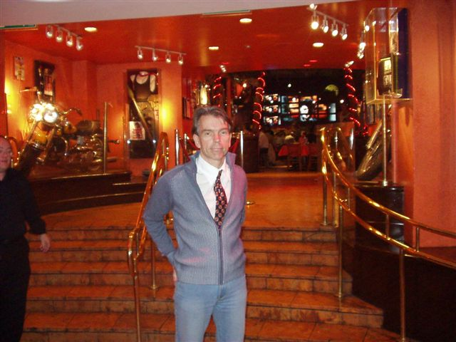 James Bond or Gunnar Schäfer in Planet Hollywood London 2004