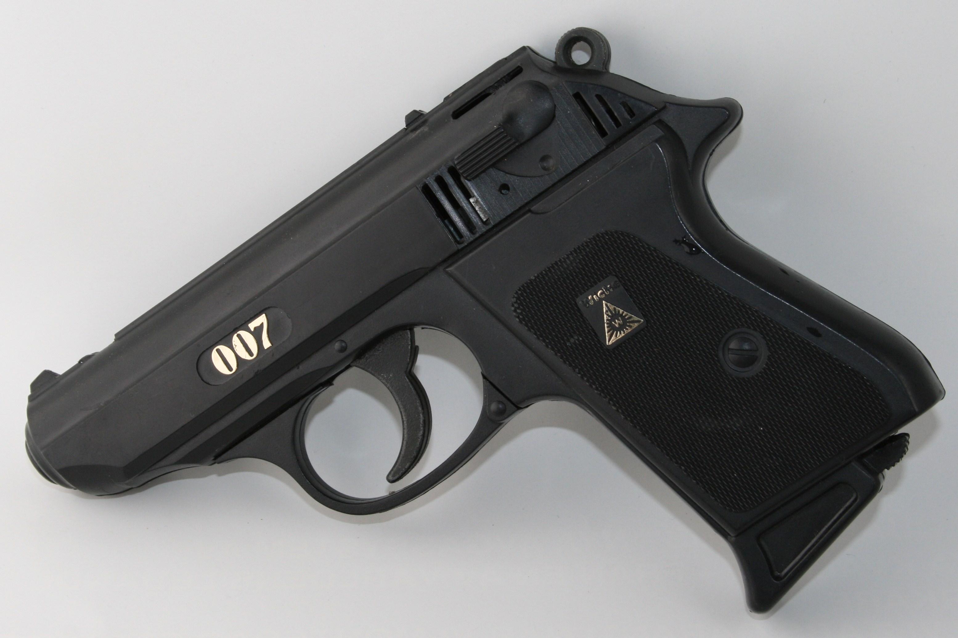007 1997p99 pri... P99 Pistol