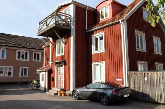 GOLDENEYE HOUSE IN KALMAR WITH ASTON MARTIN 007 JB PLATE