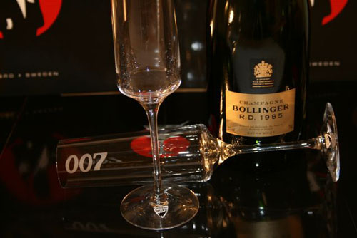 Champagne Bollinger RD 198 with 007 Design Collection Dry Martini, Champagneglass from James Bond 007 Museum and Gunnar Schäfer.