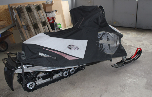 Bombardier Ski-Doo MX Z (E) 600 HO (R) snowmobile featured in new James Bond film, Die Another Day 2002.  Now in The James Bond museum Nybro Sweden